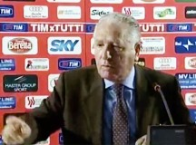 Vincenzo Materrese durante una storica conferenza stampa